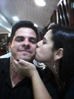 Em cada olhar guardei um beijo seu...explicação nenhuma isso requer...