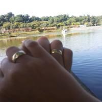 Completando dois anos de namoro no lago que começamos a namorar...