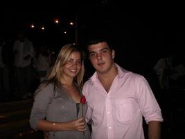 Com a flor do Rei Roberto Carlos