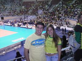 Torcendo para o Brasil no vôlei em 2006.