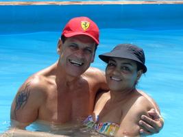 Em Camburiú, na casa do meu maninho Té,curtindo uma piscininha !!