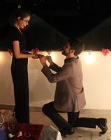 R: Me ajoelhei pra amarrar o cadarço e aproveitei pra pedi-la em casamento... S: Pensa num dia mágico?