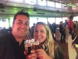 A Alegria de beber cerveja direto na fonte - Amsterdã fábrica da Heineken.