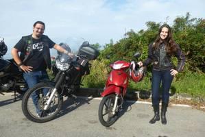 Porque nós dois gostamos de andar de moto!