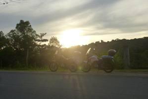 Porque.... ahhh Viaje de moto meu, tu vai entender!