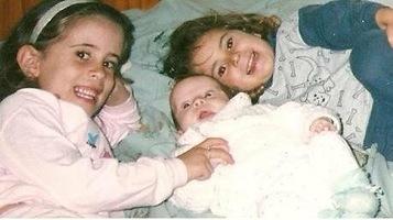Bonequinho das irmãs mais velhas (Felícia, Matheus e Pérside)!